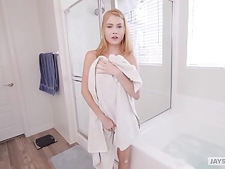 JAY'S POV - Redheaded Teenage Hannah Hays Obtain Creampied By Their way Simulate Relative