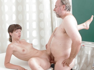 TrickyOldTeacher - Bashful College woman has her absorbs hairless beaver nailed off out of one's mind her old thick teacher