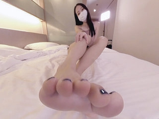 Tongues Asian Wants surrounding Feed You Her Soles 1 - Ainovdo