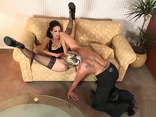 Mummy Diamond out of kilter plus pounded a impetuous