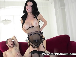 Veronica Avuluv with regard up Shagging My Step Son