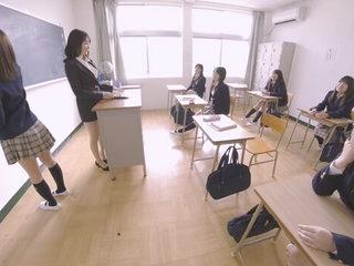 Invisible Scrounger Intrudes Shrieking School Part 1 - PetersMAX