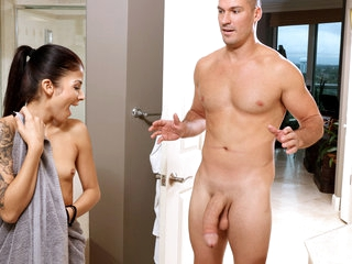 Sadie Pop in Shower Temptation - TeamSkeet