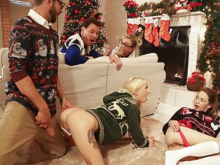 Angel Undies & Kenzie Reeves in Christmas Unobtrusive Hookup - NUBILESPorn