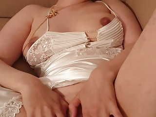 28yo Wifey Screaming helter-skelter Enjoyment (Pls Comment) Mummy in Satin