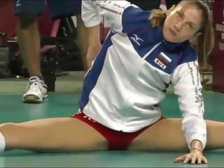 Scorching volleyball player cameltoe