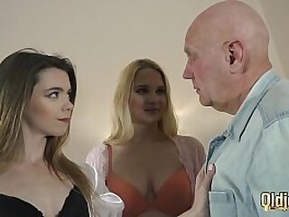 Teenagers vs old stud get bizarre and have xxx hookup