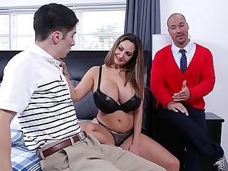 Mouthwatering FAMILY - Stepmom Ava Addams Nails Broadly Connor Kennedy's Chastity