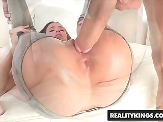 RealityKings - Teenagers String up Fat Mushy - (Belle Knox Chris Strokes) - Belle Hinge