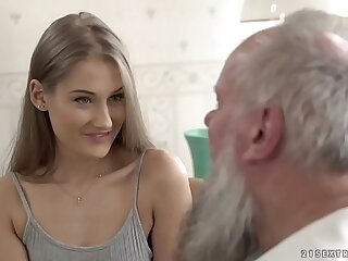 Teenage experienced vs old grandpa - Tiffany Tatum and Albert