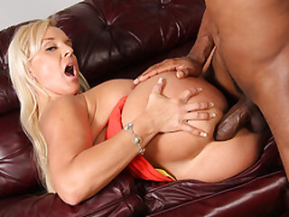 Alexis Golden Wants Ass fucking With Bbc