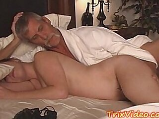 Old stud doing hookup with youthful
