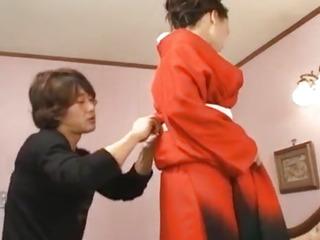 Gorgeous Eriaa Himesaki takes out her crimson kimono for a gonzo pound