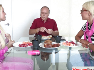 3some spex stepmom jizzed in her facehole