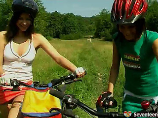 2 lesbian 18 age teens play their poon outdoors
